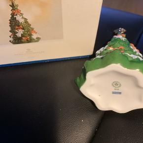 Royal års juletræ -samler objekt -ubrugt i original æske   2010 royal års juletræ   Sender + Porto
