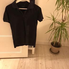 Polo, grøn, H&M herreafdelingen, uld og silkeblanding silke, slik, woll. Meget behagelig at have på   Har samme til salg i mørkeblå
