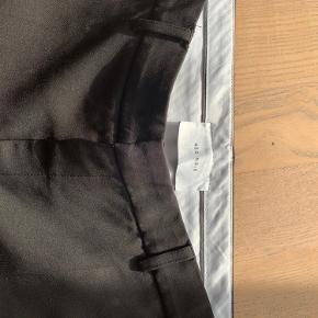 Neo noir bukser cassie f Str s Fejler intet og er aldrig blevet brugt Jeg sælger dem fordi jeg ikke kan passe dem