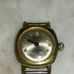 Har disse forskellige ure uden rem, sælges samlet eller enkeltvis 2 stk Timex ( Ba Cell ) ( Water Resistant ) 1 stk Belca ( 17 jewels incabloc ) 1 stk Bifora (  17 rubis ) Alle ure skal have nyt batteri! Skriv for mere information!