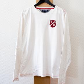 Langærmet trøje fra Tommy Hilfiger med påsyet logo