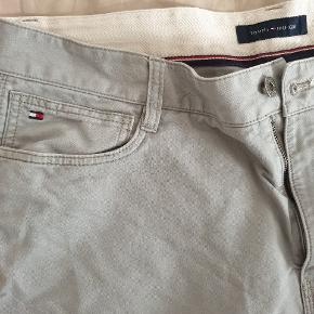 Lost weight and can't fit the pants 36/34 Tommy Hilfiger - gray 36/34 Levi Strauss 504  - dark gray  38/32 Docker Khakis - dark olive   80 kr a piece - 175 for all 3
