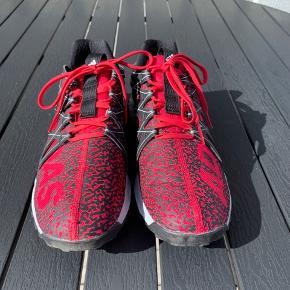 Adidas fritids-/sportssko i flot design - fantastisk komfort