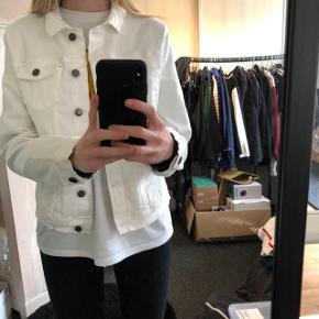 Hvid Cowboy jakke fra Primark IKKE SOLGT