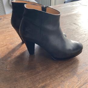 Barund støvler