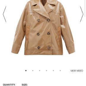 Sælger denne ganni jakke :-) brugt et par gange, men er i helt fin stand. Man skal være velkommen til at komme og prøve den :-) bor i København