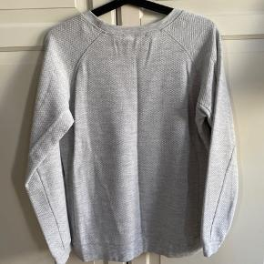 Grå Ganni sweater