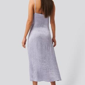 Super fin lilla kjole - aldrig brugt, str 38
