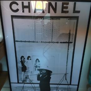 Original Kenneth Nguyen plakat C x VIET. Fejler intet, ramme følger med. Måler 70x100 cm