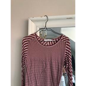 Sælger min Isabel Marant Etoile kjole, da jeg ikke får den brugt. Den er så fin! Fremstår i flot stand 😊 Passer en xs-s.