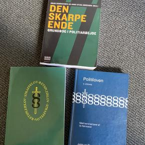 Studiebøger til Politiskolen sælges. Ny pris er ca. 340 kr. pr bog.  BYD