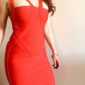 Little red dress.❤️