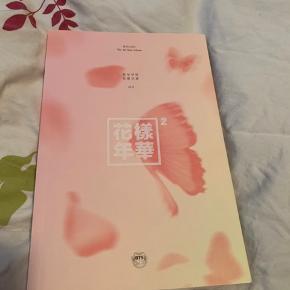 BTS the most beautiful moment in life pt2 pink version. Albummet er i rigtig god stand og uden fotokort  Køber betaler fragt ellers kan jeg også mødes i Aarhus   Prisen er ikke fast, så skriv hvis du er interreseret og vi finder ud af noget :)