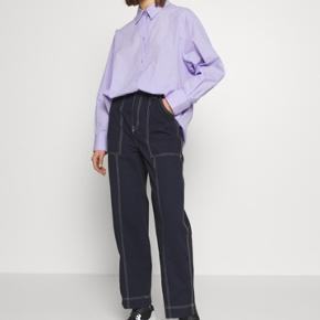 Gwyneth Trousers i blå fra weekday 💗 Str 36 / small Brugt fire gange