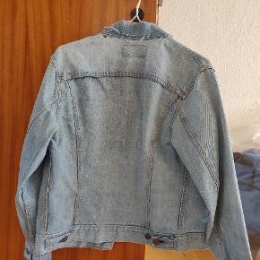 Levis Denim jakke med fed patina  Købt i Barcelona