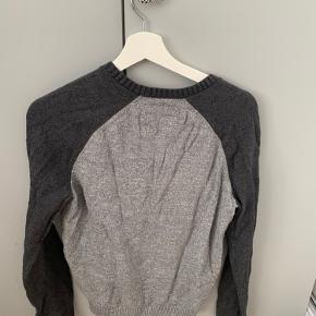 Sælger en sweatshirt da den er for lille,  Str. xs