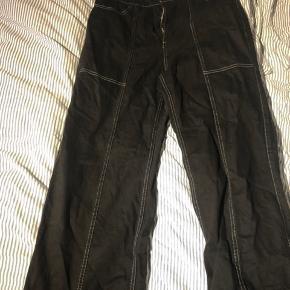 Fede jeans fra weekday, aldrig brugt da de ikke passer