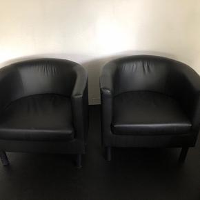 2 sorte stole sælges samlet man sidder super godt i dem og de fejler intet mp er 250