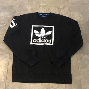 Adidas - Sort Crew - Str. M - pris: 199kr