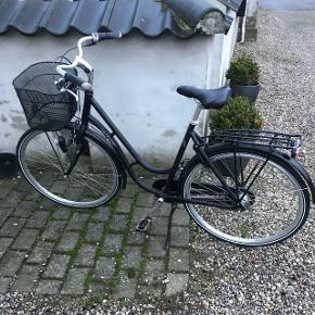 Kildemoes dame cykel i flot mat sortStår som ny og fejler intet Ca 3 år gammel  Np: 6.500 kr