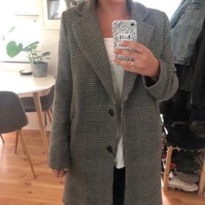 Neo noir udsolgt jakke Størrelse S  Prisen er fast