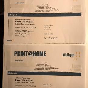 2 stk. GHOST - THE MUSICAL BILLETTER TIL FREDAG D. 24/4 KL. 19.30. I TIVOLIS KONCERTSAL INKL ADGANG TIL TIVOLI. 6 RÆKKE. 670 dkk pr billet. INKL NAVNEÆNDRING. Sælges pga sygdom. BYD.