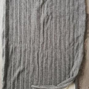 Nypris 1699,- Talje 2X38 + cm Længde 77 cm Sender med DAO SE OGSÅ MINE 700 ANDRE ANNONCER