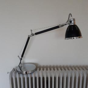 Fin lampe, ingen synlig slitage.