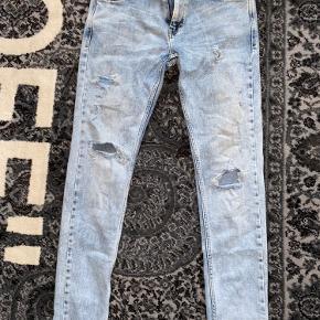 Beskrivelse: Super fede og behagelige jeans.  Informationer📝  Model/mærke: Just Junkies👖  Størrelse: 34/32📏  Stand: 8-8,5✨