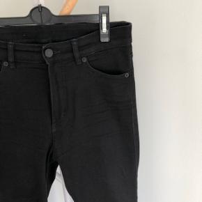 Monki jeans  Model: Oki - den helt højtaljede Str. 29   Brugt få gange