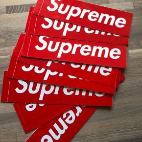 Suprême klistermærker Prisen er 20 kr. pr. stk. Ved handel over Trendsales skal køber betale sælger og køber gebyr