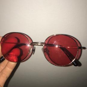 Vintage hippi solbriller🥭☮️  De er købt i billi Billy  BYD!