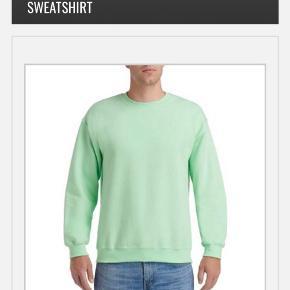 Hejsa! Jeg sælger denne super søde frugt of the look sweater, den er i en str small💚💚 Køber betaler fragt💫