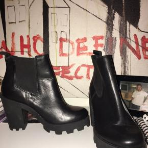 Helt nye, fede støvler