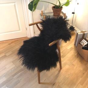Økologisk islandsk langhåret lammeskind i sort 🌺Rigtig stort, vamset og lækkert 😊
