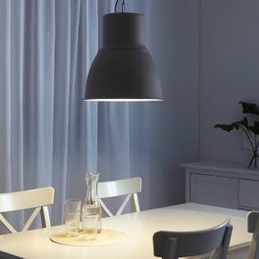 Sælger 2 af disse lamper.  47 cm i diameter