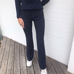 Design by si bukser, brugt 2 gange. Sælger dem fordi de er købt i en forkert størrelse💕