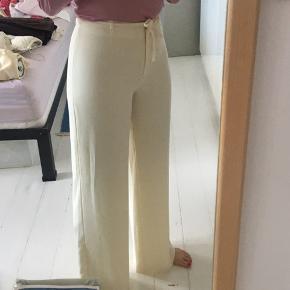 Flotte hvide bukser fra Kenzo jungle. I perfekt stand
