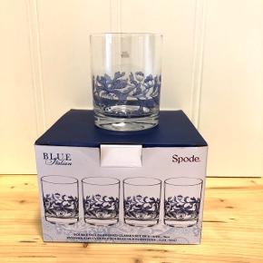 Spode Blue Italien - helt nye vandglas (45 cl).   4 stk. - aldrig pakket ud.   Sender gerne med DAO, men du er også velkommen til at hente selv - kontaktfri med mobilepay😊