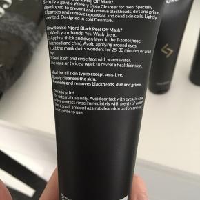 Face wash Face scrub Black peel-off mask  Tre produkter sælges, da jeg har meget sart hud og ikke kan bruge dem alligevel. Hvert produkt er kun lige prøvet af en enkelt gang, så de er så godt som fyldte. Nypris for sættet: 300.-
