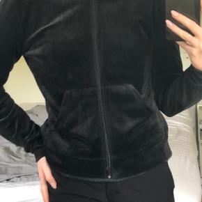 Velour trøje  Str small