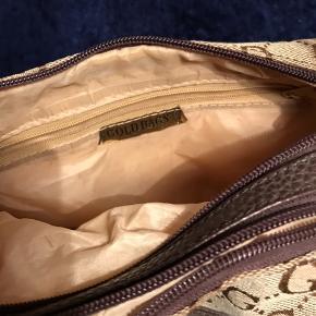 Fin taske med god plads