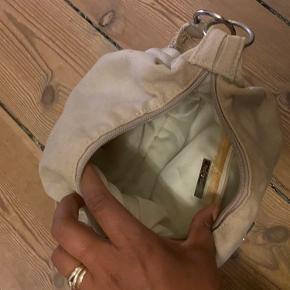 Fin håndtaske :)  Giv evt et bud.