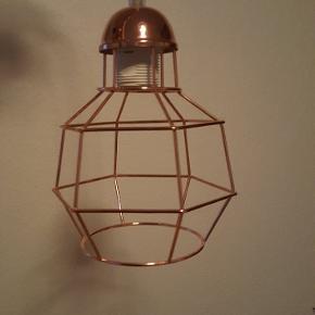 Kobberlampe 150,- fejler intet. Ny pris 599,-