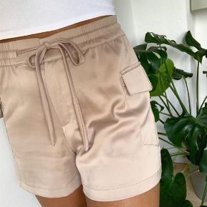 Shorts i størrelse small. 100kr