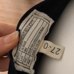 Højtaljede sorte jeans fra Current Elliott. Perfekt pasform, blød denim med stræk i.  Kvalitet designer jeans.  Brugte lidt men fejler absolut intet.  Str 27.  Byttes ikke.