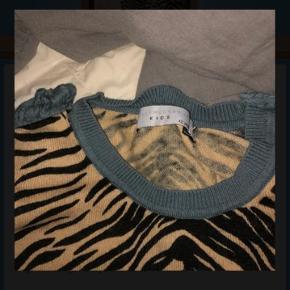 Brugt en gang Mega cool trøje:)
