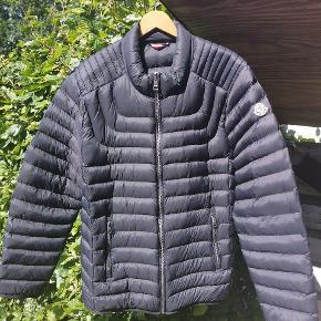 Moncler Str 5 Fitter L - XL Som ny