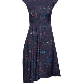 Wood Wood Wanda dress 💜 Passer str 36/38