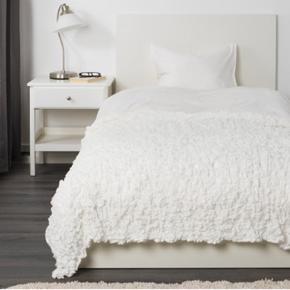 Ofelia tæppe fra ikea, måler 130x170. Brugt få gange. :-)